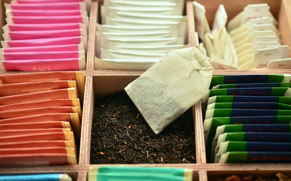 自分でウィッグを染める!?ウィッグの紅茶染めの方法をご紹介します