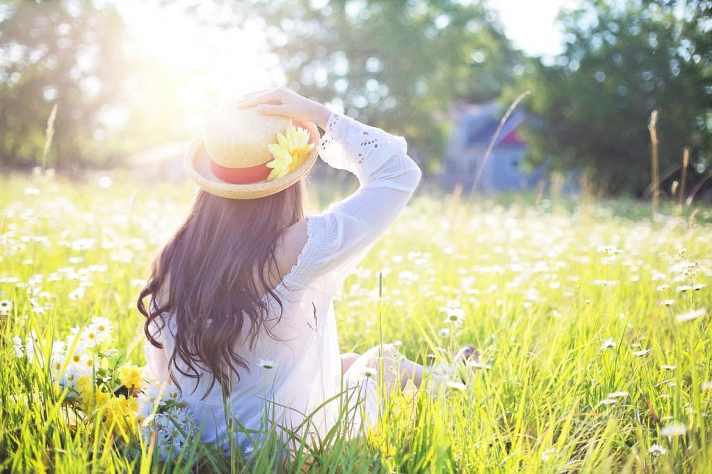夏のウィッグは蒸れる!暑い時期も爽快に過ごすための汗対策をご紹介