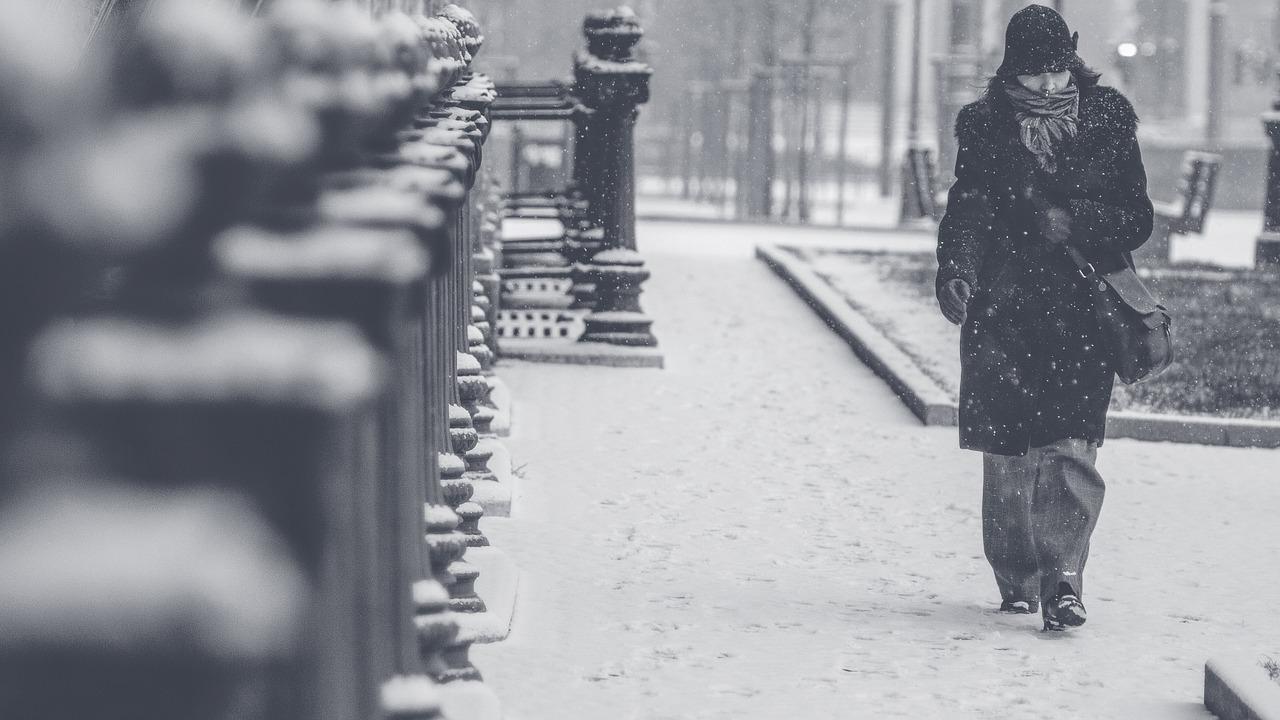 乾燥する冬場は注意?乾燥と女性の薄毛の関係性について!