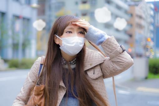 マスク着用時のウィッグはもみあげ部分が浮いてしまう?正しい被り方をご紹介1