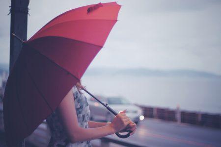 憂鬱な梅雨はいろいろなウィッグで気分転換を楽しもう!梅雨にお勧めウィッグをご紹介